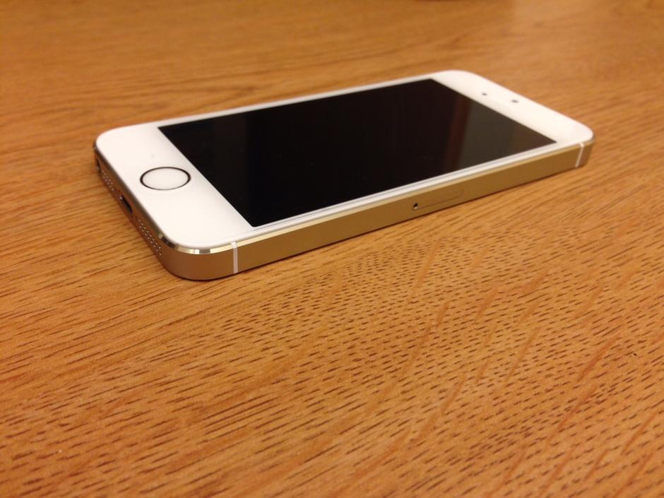 Apple Iphone  Verizon For Sale